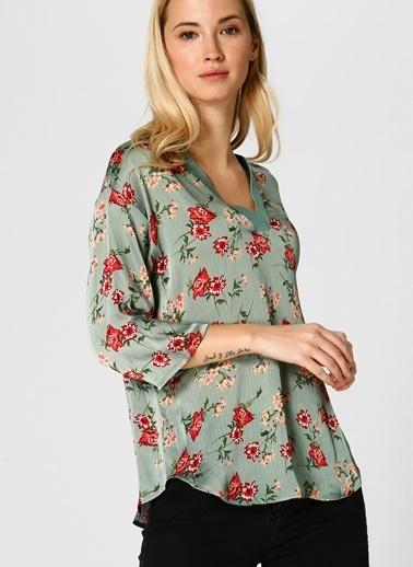 Koton Koton Çiçek Desenli Yeşil Bluz Yeşil